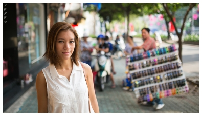 Street portrait   5D Mark III   35mm 1.4