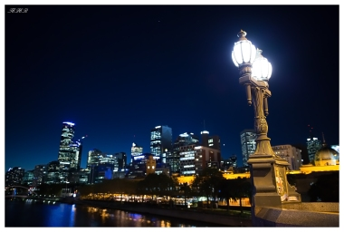 Blue hour over the Melbourne skyline. 5D Mark III | 24mm 1.4 Art.