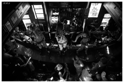 The night life heats up in one of Shanghai's many clubs. 5D Mark III   24mm 1.4 Art