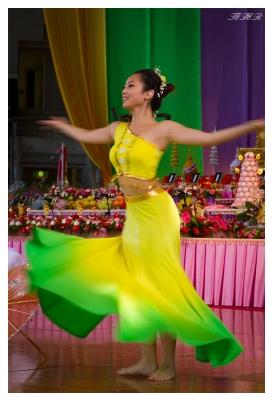 Dancer | 7D | 85mm 1.4