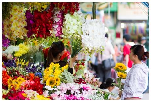 Ben Thanh Flowers | 7D | 85mm 1.4