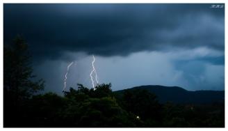 Lightning over Brisbane   400D   24-70mm 2.8