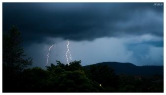 Lightning over Brisbane | 400D | 24-70mm 2.8