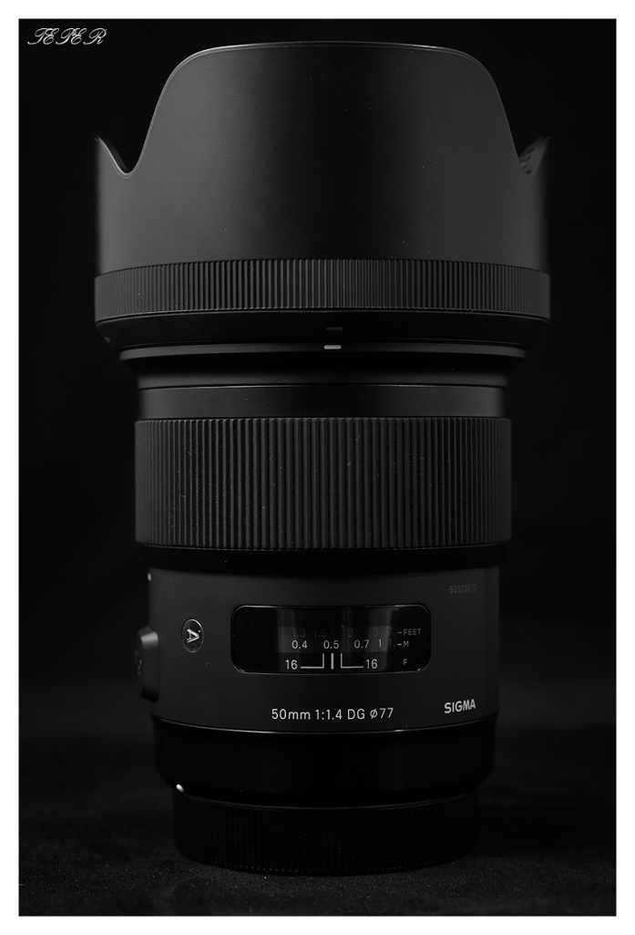 50mm 1.4 with hood