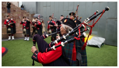 Scottish Bagpipes at work, 5D Mark III   24mm 1.4 Art