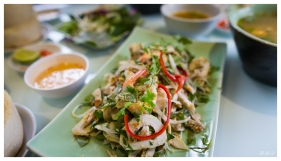 Lunch! Saigon. 5D3 | 24mm 1.4A | f2.8