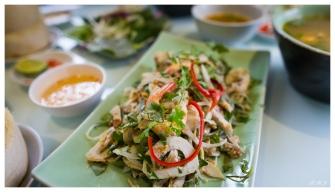 Lunch! Saigon. 5D3   24mm 1.4A   f2.8