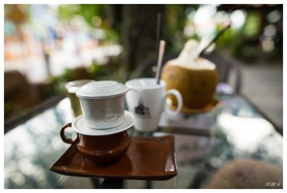 Morning coffee in Hoi An. 5D3 | 24mm 1.4A | f2.