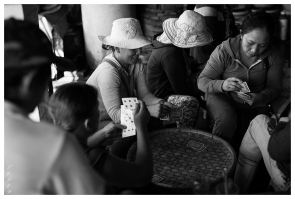 Time out at the markets. Hoi An . 5D3 | 50mm 1.4A | f2.