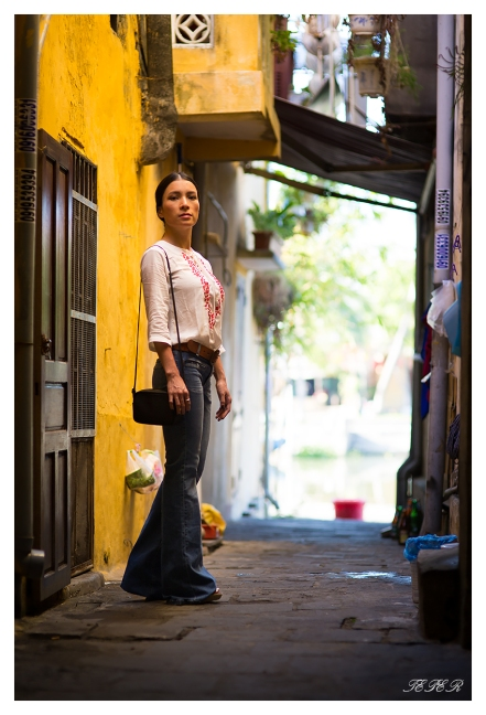 Back ally, Hoi An. 5D3 | 85mm 1.4 | f2