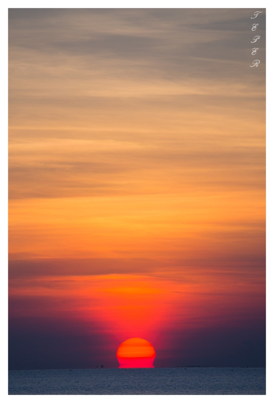 Another beautiful sunrise over Hoi An, 5D3   100-400L IS II   f9   iso500