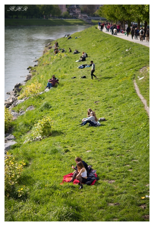 People enjoying the sun along the banks of the river. 5D Mark III   85mm 1.2L II