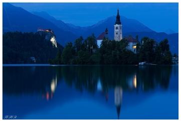 Lake Bled at dusk. 5D Mark III | 85mm 1.2L II | B+W CPL | Lee Pro Glass 0.9 ND