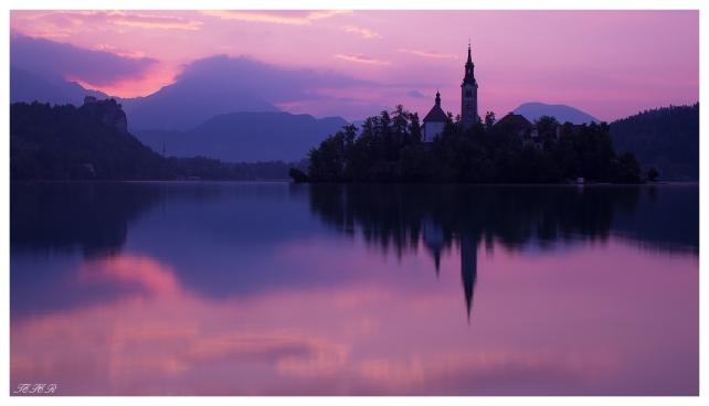 Lake Bled at dawn. 5D Mark III | 45mm 2.8 TS-E | B+W CPL