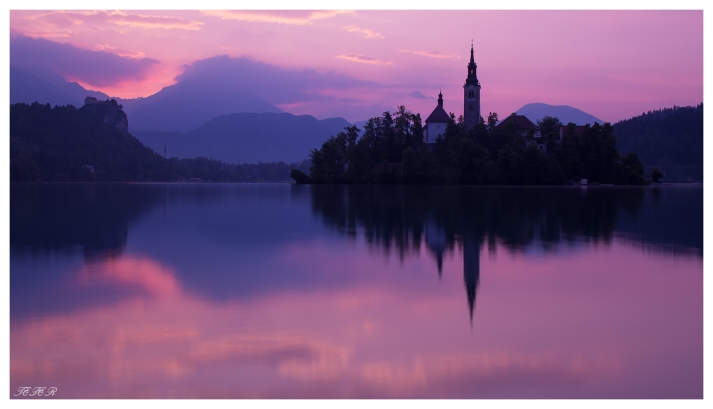 Lake Bled at dawn. 5D Mark III | 45mm 2.8 TS-E | B+W CPL