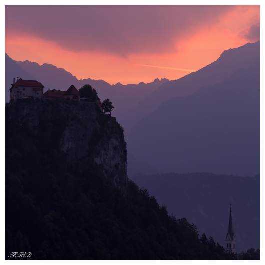 Bled castle at dawn. 5D Mark III | 100-400mm 4.5-5.6L IS II