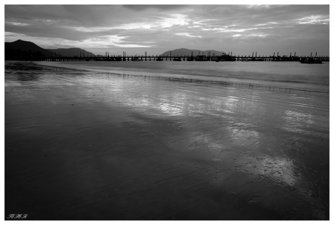 Morning reflections. Con Dao 5D Mark III | 24mm 1.4 Art