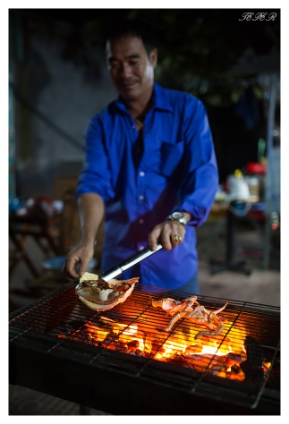 Street side restaurant. Con Dao town. 5D Mark III | 35mm 1.4 Art