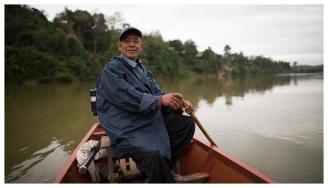 Proud! Mekong River, Laos. 5D Mark III   24mm 1.4 Art