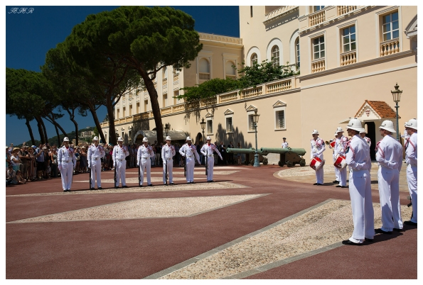 Monaco Palace, changing of the guards.. Canon 5D Mark III | 35mm 1.4 Art