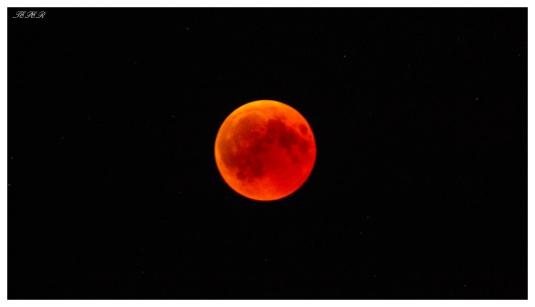 Moon Eclipse 2018. Bavaria, 5D Mark III & 100-400mm 4.5-5.6L IS II w/ 2x converter = 800mm
