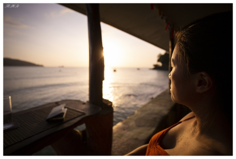 Waterfront seats. Mahe, Seychelles. 5D Mark III   18mm 2.8 Zeiss Milvus