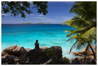 Electric water, La Digue, Seychelles. 5D Mark III   24mm 1.4 Art