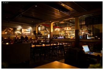 Pub time in Svolvær Lofoten Norway. Canon 5D Mark III | 24mm 1.4 Art